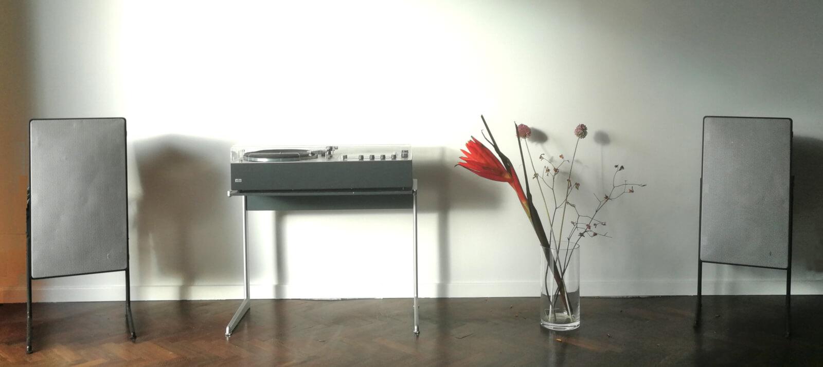 braun audio 310 & L710 black with speaker stands LF700